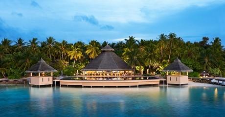 ✈ 4 or 5 star Maldives Stay