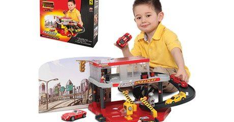 Ferrari Kids Race and Play Set