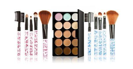 Make-Up Palette and Brush Set