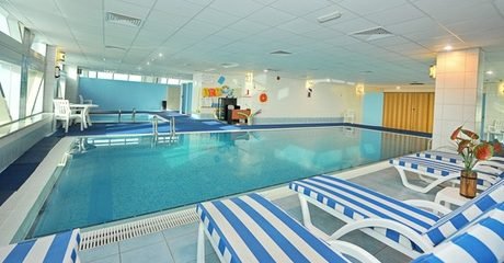 Four Group Swimming Classes