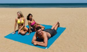 China Unicom Sand Free Beach Mat
