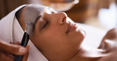 Customers can get thoroughly pampered with a beauty package that suits their needs