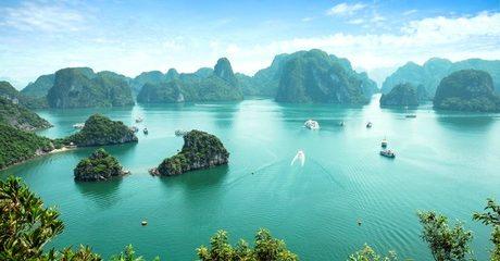 Vietnam: 4-Night Tour with Cruise