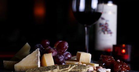 Cheese and Grape at Oeno