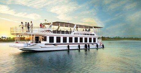 Palm Jumeirah Dinner Cruise