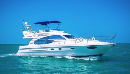 50-Feet Yacht Rental for Up to 20