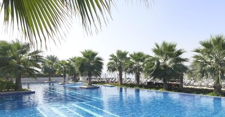 5* Fairmont Pool & Beach with Food