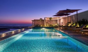 Muscat: Up to 3-Night 4* Stay with Breakfast