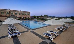 Abu Dhabi: 1- or 2-Night Eid Stay with Meals