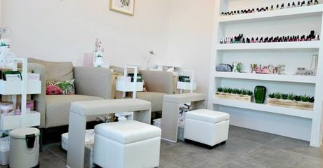 Customers can enjoy a Gelish or classic mani-pedi and opt to include an invigorating 30-minute foot spa treatment for AED75.00 at Discount Sales.
