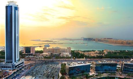 Dubai Marina: Apartment Stay for Four