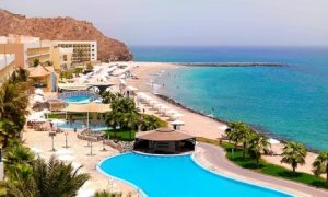 Fujairah: 5* Ocean-View Stay