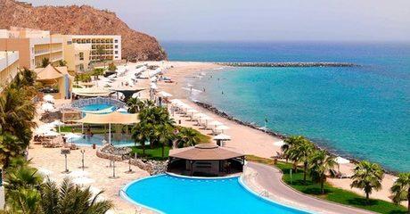 Fujairah: 5* Ocean-View Stay