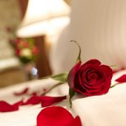 Sharjah: 5* Romantic Stay with Breakfast