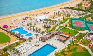 RAK: 5* 1- or 2-Night Stay with Breakfast and Footgolf
