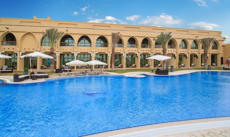 Madinat Zayed: 1 or 2 Nights with Spa Treatment