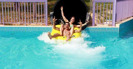 Ras Al Khaimah: 4* Stay with Dreamland Water Park Tickets