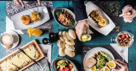 AED 50 Toward Food and Drink