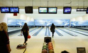 Bowling at Al Nasr Leisureland