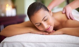 Beauty buffs of Abu Dhabi can relax and rest during up to four sessions of a deep tissue spa treatment for AED99.00 at Discount Sales.